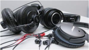 2 300x170 - One Set Of Headphones To Filter Out Three Kinds Of Noise