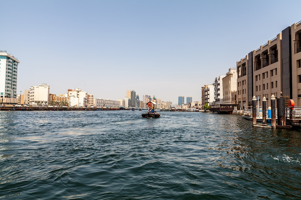 cruise along the Dubai Creek