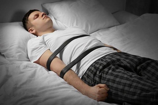 sleep paralysis occur